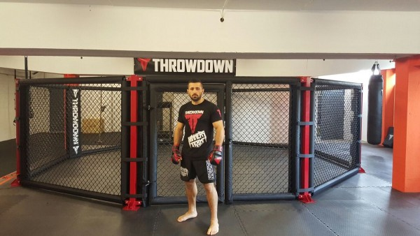 Throwdown Victory Series Cage